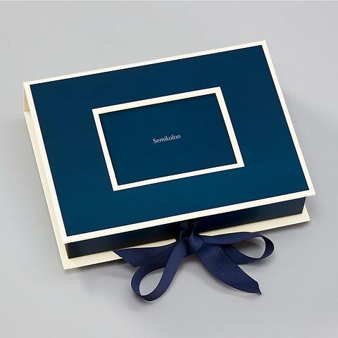 Kleine Fotobox mit Einschubfenster